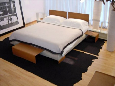 Bed on wooden frame Long Island, Flexform