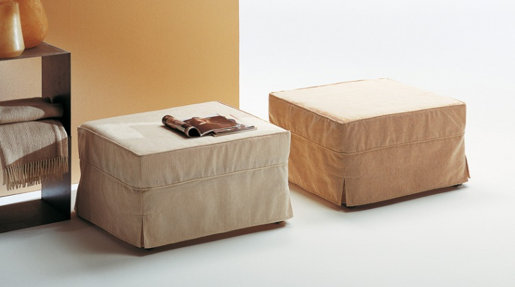 Pouf upholstered in leather or fabric Pouff Letto, Bodema